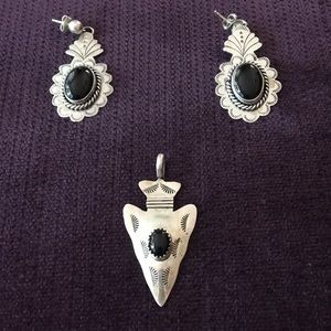 Sterling silver and black stone Earrings & pendant
